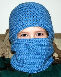 Crochet your very first Any Sized Ski Mask with this winter wearable crochet pattern. Most people stick with the simple crochet hat or scarf, but this ski mask pattern combines it all into one. Crochet Kids Hats, Crochet Mittens, Crochet For Boys, Crochet Scarves, Crochet Crafts, Crochet Projects, Crocheted Hats, Crochet Mask, Crochet Beanie