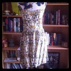 Strapless Dress/ Large, Floral, Above Knee Strapless floral above knee dress, Large, zipper back, built in slip Dresses Strapless