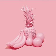pantone: A still life in Rose Quartz. Pink Love, Pretty In Pink, Pink Fruit, Inspiration Artistique, Rose Pale, Rose Colored Glasses, Pink Themes, Fruit Party, Aesthetic Colors