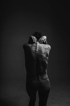 grayscale photograph of person reaching to its back photo – Free Black-and-white Image on Unsplash Nerf Spinal, Spinal Cord, Free Black, Black And White, White Style, Best Workout Routine, Workout Tips, Workout Schedule, Free High Resolution Photos