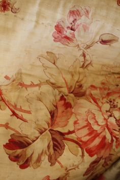 French boutis Wallpaper Aesthetic, French Fabric, Textiles, Colour Board, French Country Decorating, Shades Of Red, Boutique, Vintage Flowers, Auburn
