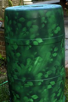 How to paint a plastic rain barrel. Or in my case an ink barrel that is just plain black. It is used for a big trash can for the pool parties we host. Have always wanted to add a monogram or something to dress it up.