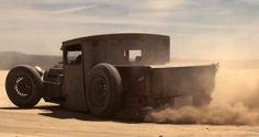 Mike Burroughs' '28 Ford Model A Rat dustin' 'em!