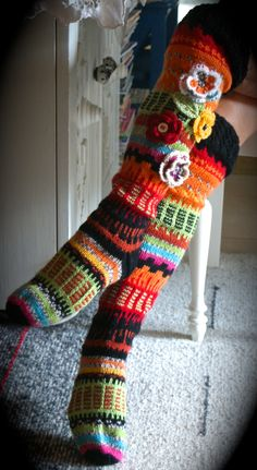 Värikkäät Fair Isle Knitting, Knitting Socks, Hand Knitting, Cute Crochet, Knit Crochet, Sexy Socks, Knee High Socks, Crochet Slippers, Yarn Crafts