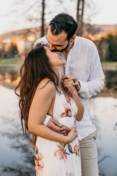 Couple Photoshoot Poses, Couple Photography Poses, Couple Posing, Couple Shoot, Wedding Photography, Tall Boy Short Girl, Short Girls, Short Couples, Couples In Love