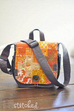 messenger bag by LRstitched - pattern by keyka lou