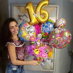 Diy Birthday Box, Office Birthday, It's Your Birthday, Birthday Parties, Candy Bouquet Diy, Diy Bouquet, Balloon Bouquet, Birthday Balloon Decorations, Birthday Balloons