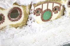 Love this Gingerbread Hobbit Hole via @Heather Baird !