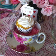 Alice in wonderland tea party cupcake