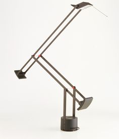 Tizio, Richard Sapper, Artemide, 1972, courtesy Collezione Permanente Triennale Design Museum _ Grande serie: programmi e sorprese