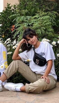 I like to post pictures of selena gomez. (I do not own any of the photos posted) Selena Gomez Fotos, Selena Gomez Outfits, Selena Gomez Style, Selena Gomez Hair, Celebrity Outfits, Celebrity Style, Selena Gomez Wallpaper, Look Fashion, Fashion Outfits