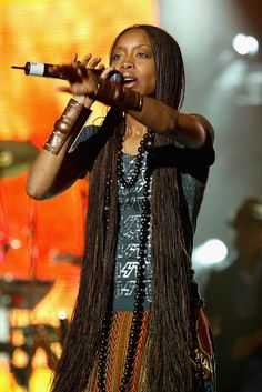 "My earliest memory of Erykah Badu takes me back to when my older brother Daryl would light up incense and blast her debut album ""Baduizm"" (I'm sure. Black Girl Aesthetic, Afro Hairstyles, American Hairstyles, Loose Hairstyles, Black Hairstyles, Afro Punk, Beautiful Black Women, Black Girl Magic, Natural Hair Styles"
