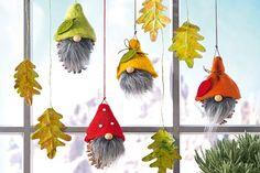 Tannenzapfen Deko fürs Fenster basteln autour du tissu déco enfant paques bébé déco mariage diy et crochet Diy Crafts To Do, Fall Crafts For Kids, Diy For Kids, Christmas Gnome, Christmas Crafts, Christmas Ornaments, Pine Cone Decorations, Christmas Decorations, Navidad Diy
