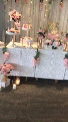 Hochzeitsdekore videos Blush pinks, Ivory and gree - hochzeitsdekore Hawaiian Party Decorations, Girl Baby Shower Decorations, Diy Wedding Decorations, Party Decoration Ideas, Butterfly Table Decorations, Diy Quinceanera Decorations, Bridal Shower Desserts, Girl Shower, Baby Shower Pink