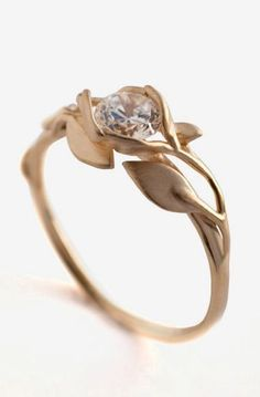 Leaves Engagement Ring - 18K Yellow Gold and Diamond engagement ring