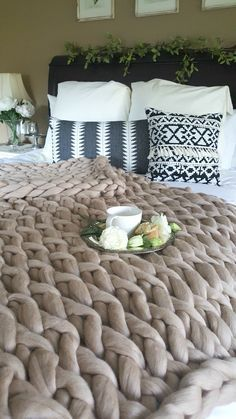 Arm Knitting Made Easy - You can make this gorgeous cozy chunky knit blanket easily with our help!