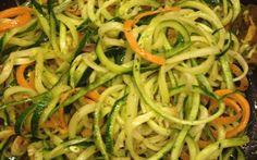 Nudeln aus Gemüse - ein leckerer Ersatz, wenn man Kohlenhydrate meiden will. So gehts!