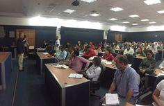 @FEdumedia : RT @NicolasMaduro: Hoy estoy en reunión de #MisionAbastecimientoSoberano revisando los avances de los 7 Vértices junto a los equipos Cívicos-Militares del país