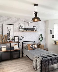 Looking for the best bedroom decor ideas? Use these beautiful modern bedroom ideas as inspiration for your own fabulous decorating scheme. From pared-back sanctuaries to bright and cozy retreats browse tons of stylish bedroom pictures. Industrial Bedroom Design, Industrial Style, Industrial Boys Rooms, Design Bedroom, Boy Bedroom Designs, Ikea Industrial, Boys Room Design, Bedroom Minimalist, Boys Bedroom Decor