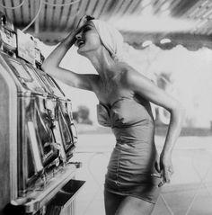 Evelyn Tripp, Harper's Bazaar, Las Vegas 1958 | Photographer: Lillian Bassman
