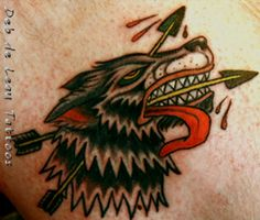 Wolf tattoo, wolf pierced by arrows, (new) traditional tattoo, old school tattoo,wolf tatoeage, Deb de Leau Tattoos
