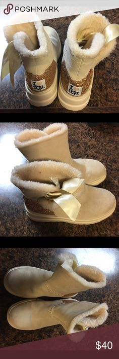 Ugg boots Size 6 girls ugg boots UGG Shoes Boots