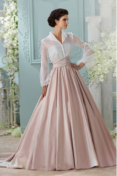The David Tutera for Mon Cheri Spring 2016 Wedding Gown Collection - Style No. 116231 Leora I mean if I was in gone w the wind times, I'd wear this. Evening Dresses, Prom Dresses, Formal Dresses, Wedding Dresses, Elegant Dresses, Sexy Dresses, Summer Dresses, Hair Wedding, Gown Wedding