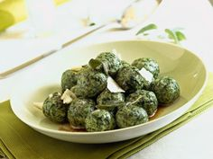gnocchi-di-spinaci-al-burro-fuso immagine