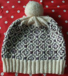 冬空にあうニット小物/雄鶏社より  かわいいな♪と思うものは、みんな三國万里子さんのデザインでした。 前に編んだ、マリンモチーフの帽子もそう...