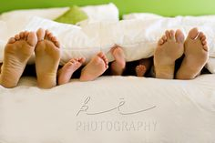 I like this mostly for the family of four, a photo on the wall. Awesome idea!
