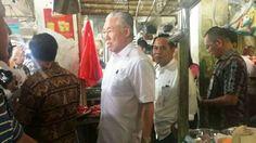 Menteri Perdagangan Enggartiasto Lukita sejak pagi tadi, Kamis 12 Januari 2017, kembali blusukan untuk meninjau kondisi harga komoditas pangan ke tiga pasar besar di wilayah DKI Jakarta. Ketiga pasar...