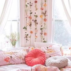 This is a Bedroom Interior Design Ideas. House is a private bedroom and is usually hidden from our guests. Much of our bedroom … Dream Rooms, Dream Bedroom, My New Room, My Room, Dorm Room, Urban Outfitters, Floral Room, Floral Bedroom Decor, Bedroom Flowers