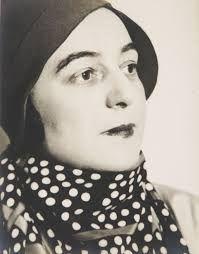 Sonia Terk Delaunay (Hradyz'k, 14 novembre 1885 – Parigi, 5 dicembre 1979) è stata una pittrice ucraina. Studiò inizialmente a San Pietroburgo e nel 1903 seguì un corso di disegno a Karlsruhe, in Germania. Nel 1906 si trasferì a Parigi, dove dipinse opere ispirate a Paul Gauguin e a Vincent Van Gogh e dove, nel 1910, sposò il pittore Robert Delaunay.