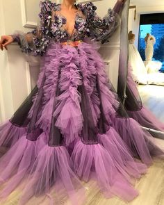 gowns for women Stylish Dresses For Girls, Gowns For Girls, Simple Dresses, Elegant Dresses, Pretty Dresses, Gala Dresses, Couture Dresses, Prom Gowns, African Fashion Dresses