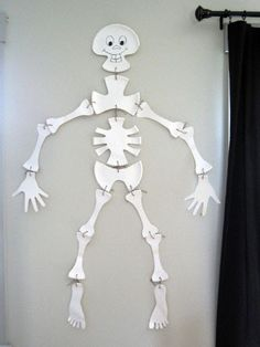 DIY paper plate skeleton
