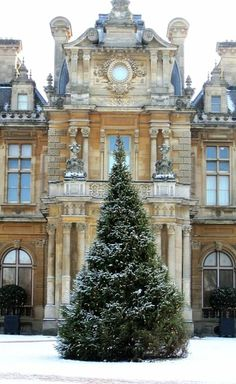 Christmas Tree and Manor.. Waddesdon, England (by John of Witney on Flickr)