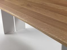 Riva 1920, made in Italy: Natura natural sides table, project by C.R. & S. Riva.