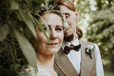 M&M w zieleni w dniu swojego ślubu  . . . #weddingphotography #slub#fotografiaslubna#fotografslubny #weddingphoto #slub2018 #igerspoland #igerswarsaw#vzcopoland#vzcowarsaw#fotografwarszawa#lookslikefilm#lookslikefilmpoland#junebugweddings#dirtybootsandmessyhair#thisdarlinglove#firstsandlasts #belovedstories#sisterphotogs #slub2019 #intimatewedding#slubnaglowie #zankyou#fotografslubnywarszawa zaparowana.pl #authenticlovemag#loveandwildhearts #photobugcommunity#radlovestories #couplegoals…