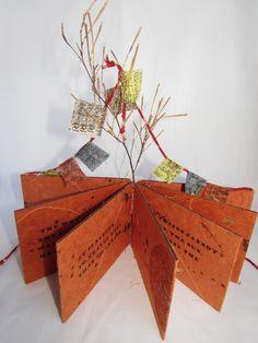 Barbara Bussolari  wire supported binding Handmade Journals, Handmade Books, Book Journal, Art Journals, Canvas Collage, Book Sculpture, Book Binding, Mail Art, Book Making