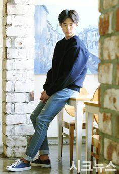 park bo gum ^^ 박보검 hello monster 너를기억해 parkbogum I remember you Asian Actors, Korean Actors, Kim Yoo Jung Park Bo Gum, Korean Celebrities, Celebs, Kyun Sang, Kim You Jung, Park Go Bum, Korean Star