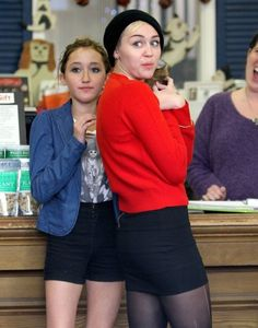 noah cyrus 2013 | ... Cyrus Goes Pet Shopping With Mom Leticia And Sister Noah (Noah Cyrus
