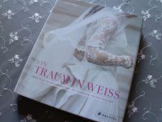 Traum in Weiß – die 50 schönsten Hochzeitskleidermehr unter http://www.modespitze.de/blog/hochzeitskleid-ein-traum-in-weiss