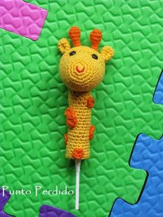 Crochet Dolls, Crochet Yarn, Crochet Stitches, Articles Pour Enfants, Pen Toppers, Patron Crochet, Finger Crochet, Crotchet Patterns, Crochet Animals