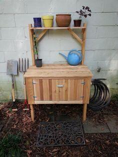 Cedar-Potting-Bench.jpg (720×960)