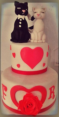 Lovers cake with cats