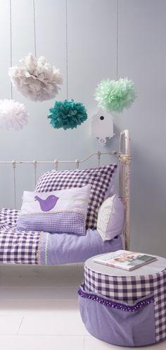 Bibelotte girls room in Pink with green pom poms  Bibelotte Noa paars Jip by Jan webshop | Jipshop