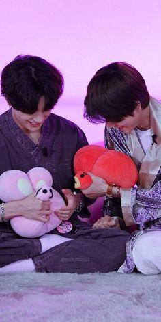 bts jungkook cute Nach dem die Mutter von Y/N die - Bts Jungkook, Namjoon, Taekook, Bts Lockscreen, Foto Bts, Vkook Memes, Bts Twt, V Bts Wallpaper, Wattpad