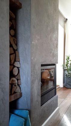 Marrakech Walls on fireplace, color Deep Earth cred. Interior Exterior, Modern Interior, Interior Design, Home Living, Living Room, Black Fireplace, Black Rooms, Tadelakt, Painting Concrete