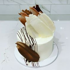 Modern cake by Liliana da Silva from Sugarella Sweets Modern Cakes, Cakes And More, Cake Ideas, Panna Cotta, Wedding Cakes, Birthday Cake, Sweets, Photo And Video, Ethnic Recipes