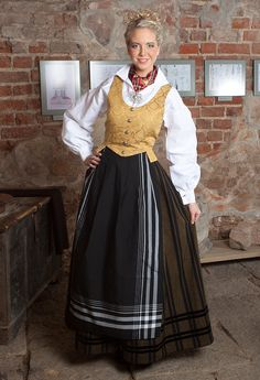 Tromsbunad Norse Clothing, Swedish Christmas, Tromso, Norway, Scandinavian, Buildings, Folk, Women's Fashion, Culture